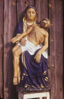 Pieta z kapliczki przy XVI-wiecznym Dworku Ostrowskich
