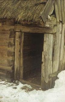 XIX-wieczny chlew konstrukcji zrębowej w zagrodzie Czapiewskich - Bytonia
