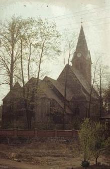 XVIII-wieczny kościół drewniany konstrukcji zrębowej oszalowany deskami z późniejszą dobudową murowaną - Sierakowice