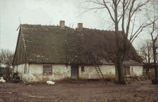 XVIII-wieczna chałupa szkieletowa z zabudowanym podcieniem pełnoszczytowym - Starkowa Huta
