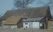 Stodoła szkieletowa z 1749 r. - Grabówko