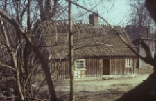 Chałupa konstrukcji zrębowej w zagrodzie małorolnego chłopa z XIX wieku - Borsk