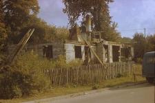 Rozbiórka XVIII-wiecznego dworu zrębowo-szkieletowego - Luzino