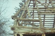Rozbiórka chałupy konstrukcji szkieletowej z 1828 roku - Garcz