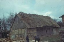 Rozbiórka budynku gospodarczego konstrukcji szkieletowej z XIX/XX wieku - Klukowa Huta
