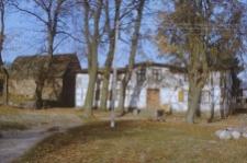 Fragment zabudowy dawnego folwarku szlacheckiego - Dąbrówka