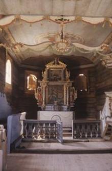 Wnętrze zabytkowego kościoła p.w. Św. Barbary z ok. 1700 roku z miejscowości Swornegacie - Wdzydze - KPE