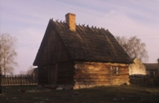 Wolnostojąca zagroda muzealna - chata owczarza - Sominy