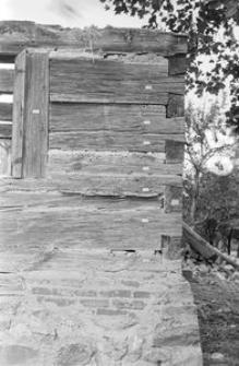 Chata zrębowa, podcieniowa - Lipuska Huta [13]