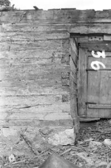 Chata zrębowa, podcieniowa - Lipuska Huta [19]