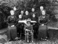 Berta Theil i jej dziewięcioro dzieci