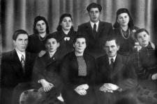 Marianna i Józef Burglinowie z dziećmi: Józefą, Jadwigą, Antonim, Ireną, Anielą, Janem i Stefanem