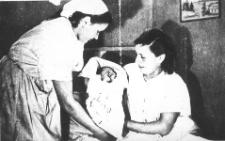 Narodziny Lidii Wołk w izbie porodowej w Potęgowie