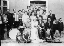 Goście weselni na ślubie Anieli Kozłowskiej
