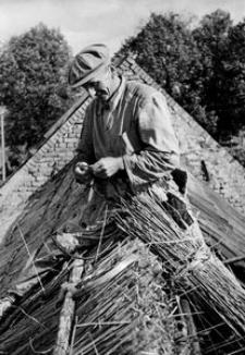 Przygotowanie materiału do pokrycia dachu
