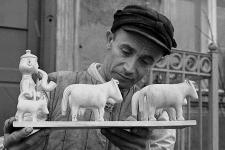 Rzeźbiarz Eugeniusz Michalski (pastuch w PGR-ze)