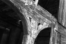 Chata zrębowa - wiązanie przęseł podcienia - Piechowice [2]