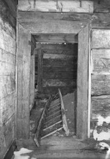 Chata zrębowa w budowie - Lipuska Huta [11]