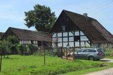 Budynek mieszkalny wraz z zabudowaniami gospodarczymi w Swołowie (2)