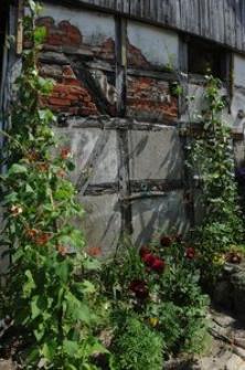 Ściana budynku w Swołowie
