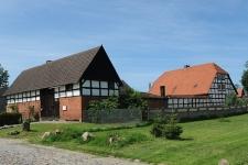 Budynek mieszkalny oraz zabudowania gospodarcze w Swołowie (2)