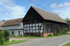 Budynki gospodarcze w Krzemienicy