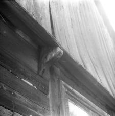 Budynek o konstrukcji zrębowej z wnęką - Chrztowo
