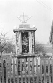 Kapliczka w zagrodzie Czapiewskich - Trzebuń