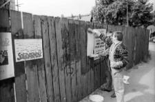Solidarność 1989 wybory parlamentarne [plakatowanie 1]