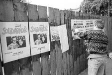 Solidarność 1989 wybory parlamentarne [plakatowanie 3]