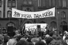 Solidarność 1989 wybory parlamentarne [wiec przedwyborczy przed słupskim ratuszem 5]