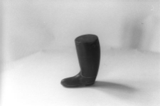 Tabakierka rogowa w kształcie buta
