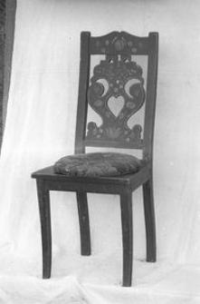 Krzesło polichromowane - Wdzydze Kiszewskie