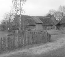 Stodoła konstrukcji zrębowej z XVIII w. w zagrodzie Kazimierza Czapiewskiego - Bytonia