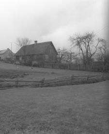 Dwór konstrukcji zrębowej z połowy XIX w.(1) - Raduń
