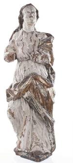 Rzeźba postaci kobiecej