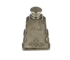 Flakonik (do perfum?)