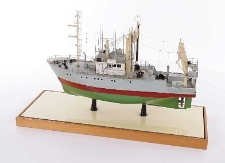 Model trawlero-krewetkowiec B 275