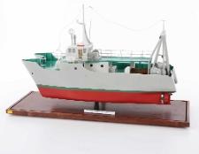 Model katamarana TRT-18 K