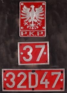 Tablica z oznakowaniem parowozu Ty 43 nr ser. 37