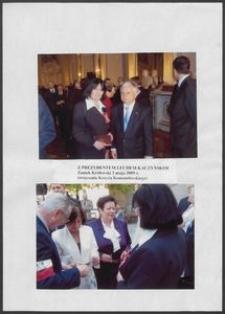 Kartka z albumu - Anna Bogucka Skowrońska z Prezydentem Lechem Kaczyńskim, Zamek Królewski, 3 maja 2009 r. (wręczenie Krzyża Komandorskiego)