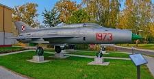 Pomnik poświęcony pamięci poległych pilotów 28 Słupskiego Pułku Lotnictwa Myśliwskiego