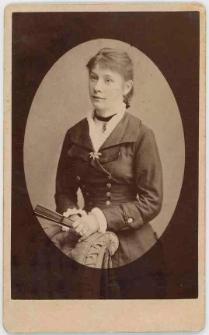 Zdjęcie młodej kobiety - półpostać