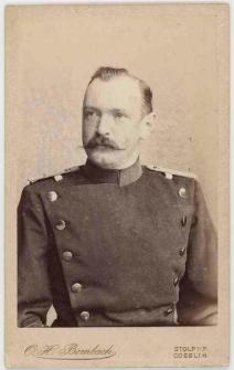 Zdjęcie mężczyzny, żołnierza - półpostać