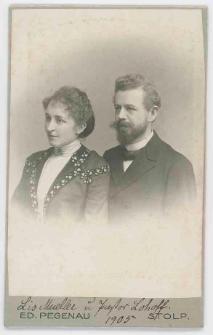 Zdjęcie kobiety i mężczyzny - popiersie