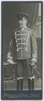 Zdjęcie mężczyzny, żołnierza 5. Regimentu Huzarów w Słupsk - portret całopostaciowy
