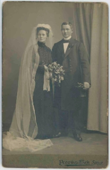 Zdjęcie małżeństwa - portret całopostaciowy