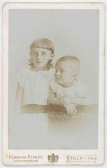 Zdjęcie dwojga małych dzieci - półpostacie